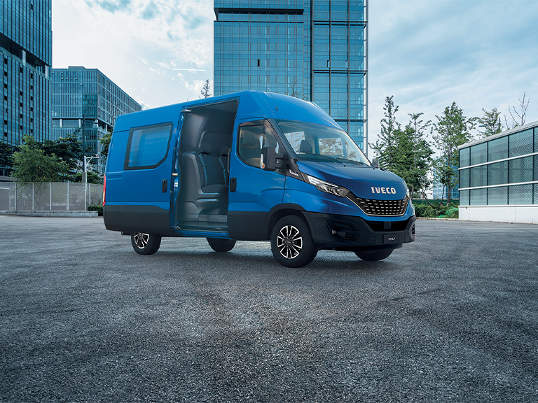 L'Iveco Daily 7 tonnes élu Camion de l'année aux Fleet News Awards 2021 !